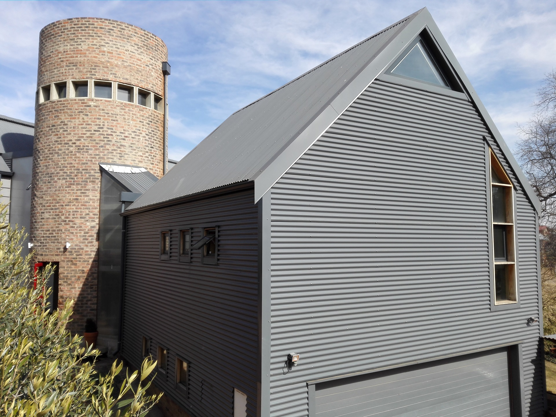 2010 - Barn House - Southdowns Estate - Corrugated - Strey Architects (5)